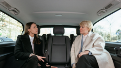 How do you choose a reliable limousine service for a business meeting?